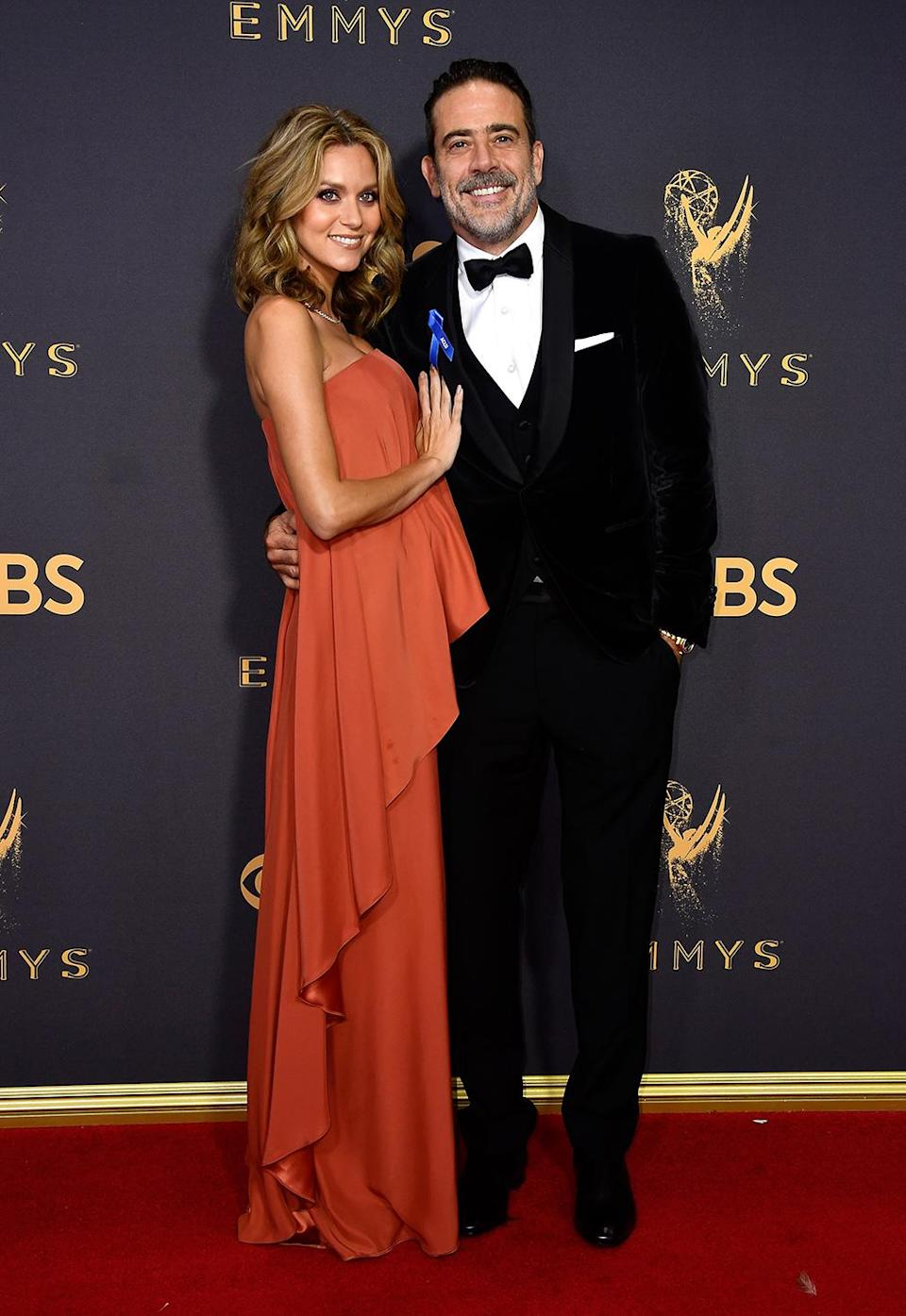 <p>Hilarie Burton and Jeffrey Dean Morgan attends the 69th Annual Primetime Emmy Awards on September 17, 2017. (Photo: Getty Images) </p>
