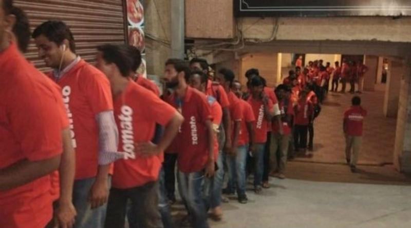 Zomato Delivery Executives Go on Strike in Mumbai, Bengaluru After Food App Slashes Incentives