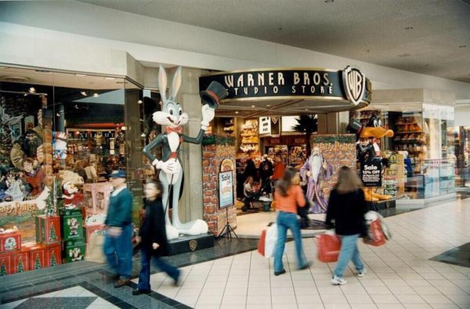 A warner bros. studio storefront inside a mall, 1990s store