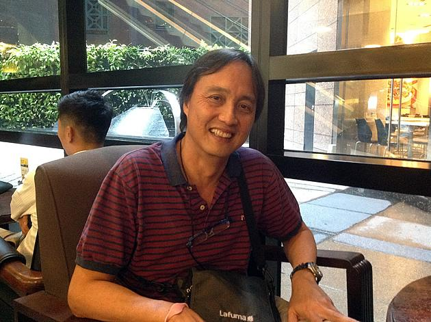 """Former GIC chief economist Yeoh Lam Keong shares his views on the cogs running behind """"Singapore Inc."""". (Yahoo! photo/Jeanette Tan)"""