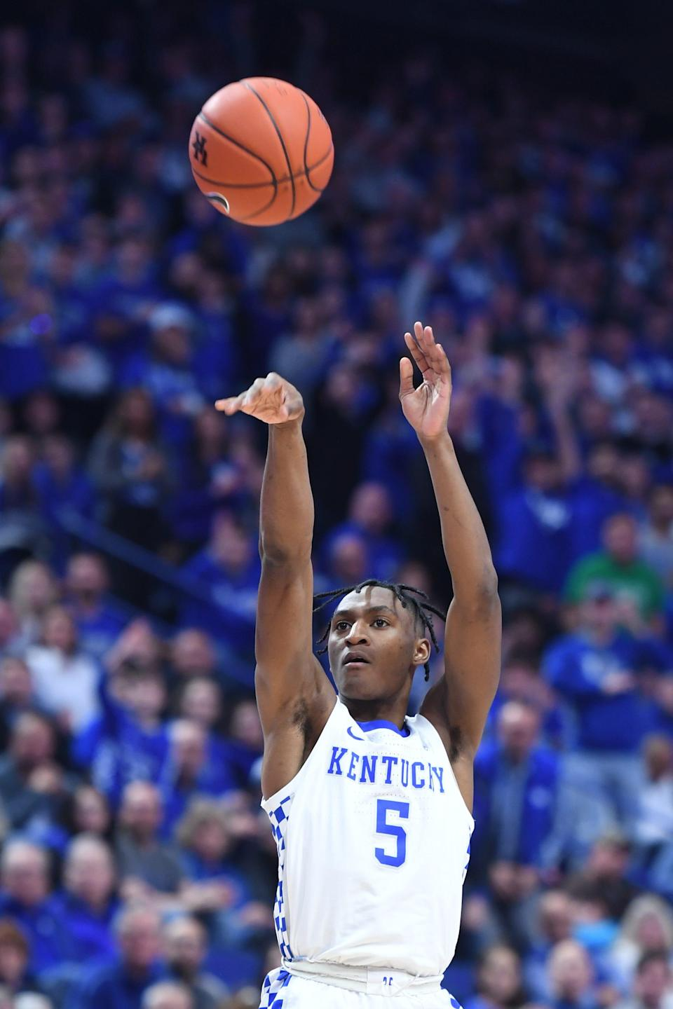 Immanuel Quickley shoots during the Kentucky game against Auburn on Feb. 29, 2020.