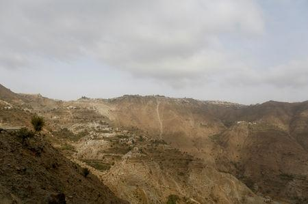 Mountain villages overlook the road to the village of al-Jaraib in the northwestern province of Hajjah, Yemen, February 20, 2019. Across Yemen's remote mountain villages, the country's war-induced economic crisis has left parents destitute, hungry and watching their children waste away from malnutrition and unclean water. REUTERS/Khaled Abdullah