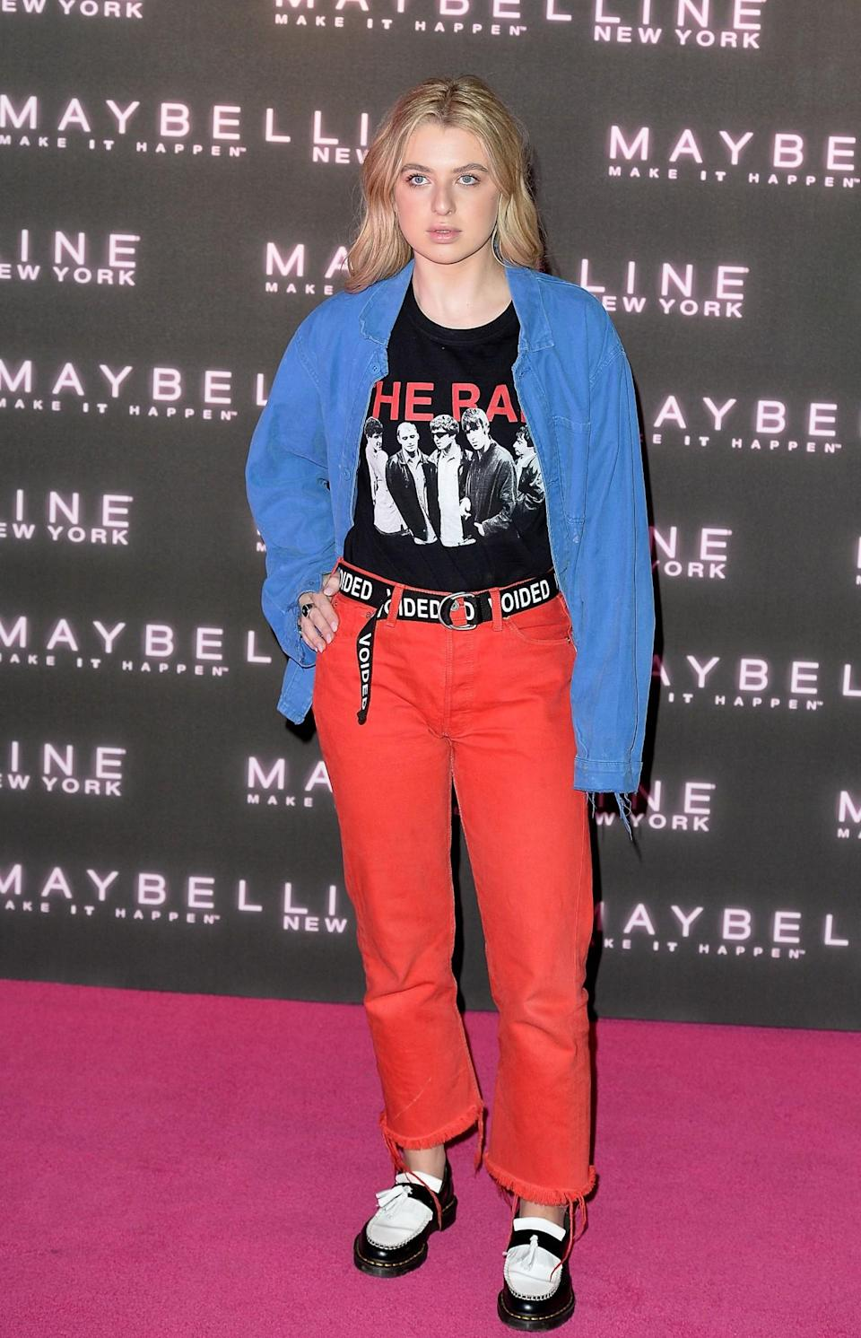 <p>Anais Gallagher wore a casual primary colour look. <i>[Photo: Getty]</i> </p>
