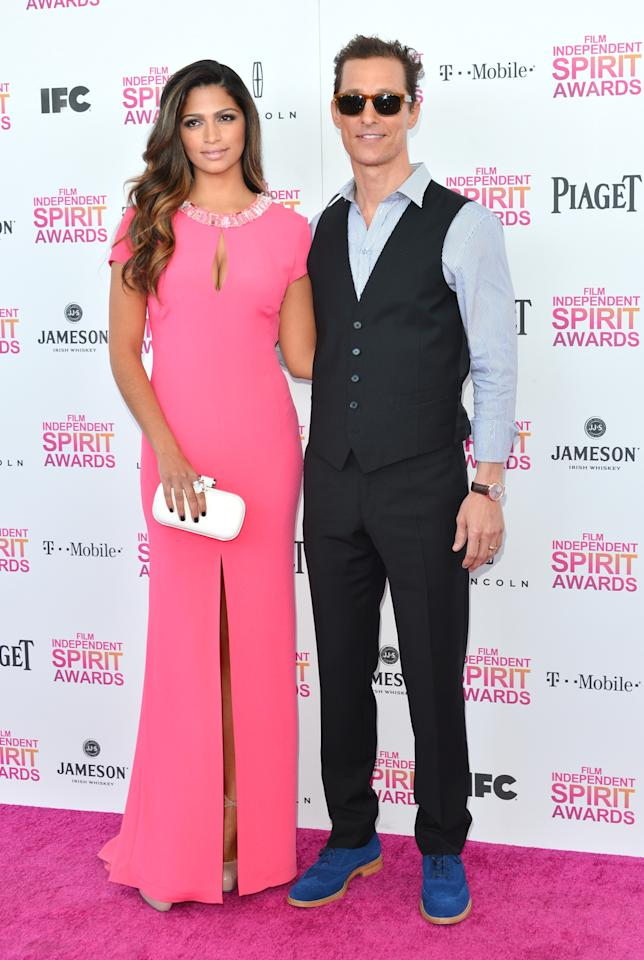 SANTA MONICA, CA - FEBRUARY 23:  Actor Matthew McConaughey (R) and model Camila Alves attend the 2013 Film Independent Spirit Awards at Santa Monica Beach on February 23, 2013 in Santa Monica, California.  (Photo by Alberto E. Rodriguez/Getty Images)