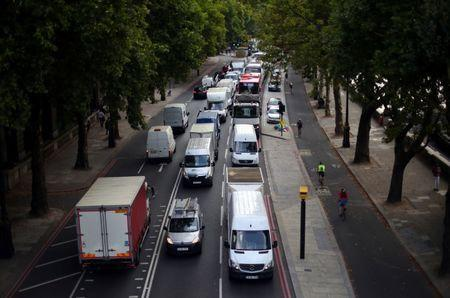 Cars sit in a traffic jam along the Embankment during the morning rush hour in central London, Britain, August 29, 2017. REUTERS/Hannah McKay