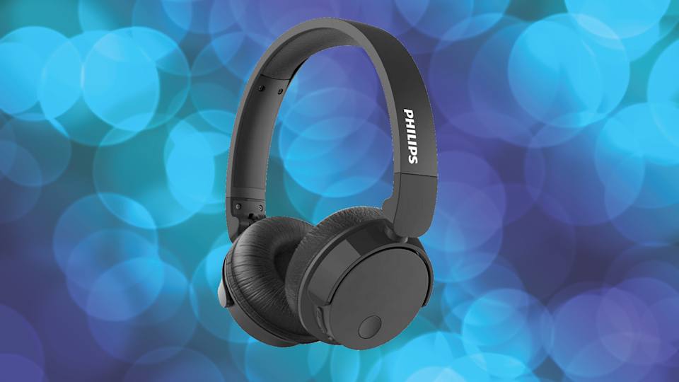 Save nearly 65 percent on these Philips Bass+ Wireless Noise Cancelling Headphones. (Photo: Walmart)