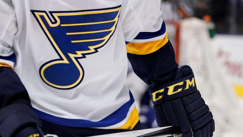 PHT Morning Skate: Four Blues players, one coach test positive for COVID-19; Future for Rask