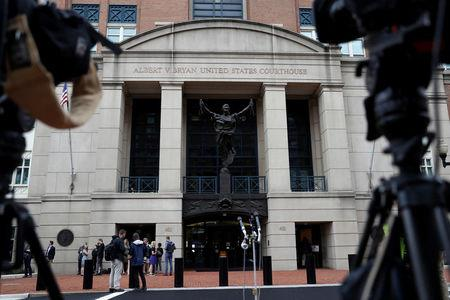 Paul Manafort trial: Income disguised to ease Manafort's taxes, accountant says