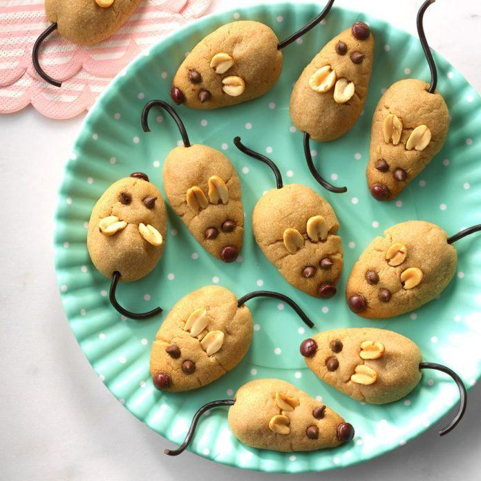 Peanut Butter Christmas Mice