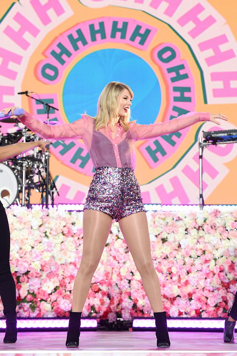 """Taylor Swift's """"London Boy"""" Sparks Discussion Among London Residents"""