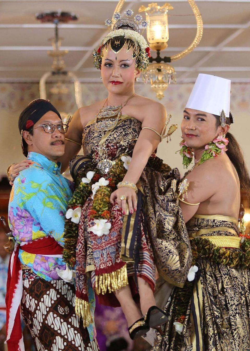 "<p>The wedding ceremony of Princess Hayu and Prince Notonegoro, a United Nations worker, spanned three days and saw many stunning, elaborate outfits and costumes in accordance with royal Indonesian wedding traditions. For the <a href=""https://www.today.com/news/princess-bride-crowds-celebrate-colorful-royal-indonesian-wedding-8C11467876"" rel=""nofollow noopener"" target=""_blank"" data-ylk=""slk:bathing ritual"" class=""link rapid-noclick-resp"">bathing ritual</a> element of the ceremony, which is done before the formal wedding vows takes place, the bride wore a cape of intricately woven flowers.</p>"