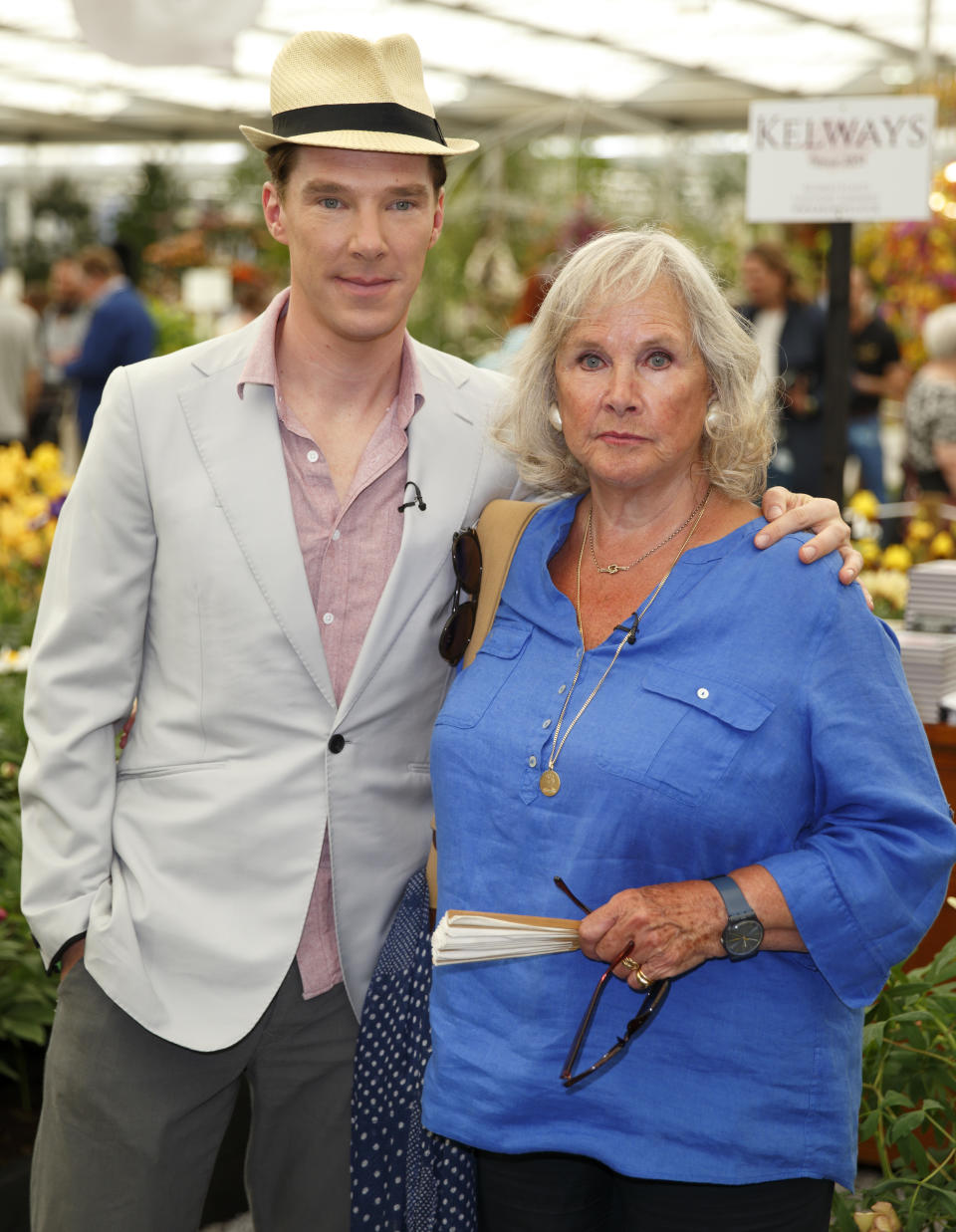 LONDON, UNITED KINGDOM - MAY 19: (EMBARGOED FOR PUBLICATION IN UK NEWSPAPERS UNTIL 48 HOURS AFTER CREATE DATE AND TIME) Benedict Cumberbatch and his mother Wanda Ventham attend the VIP preview day of The Chelsea Flower Show at The Royal Hospital Chelsea on May 19, 2014 in London, England. (Photo by Max Mumby/Indigo/Getty Images)