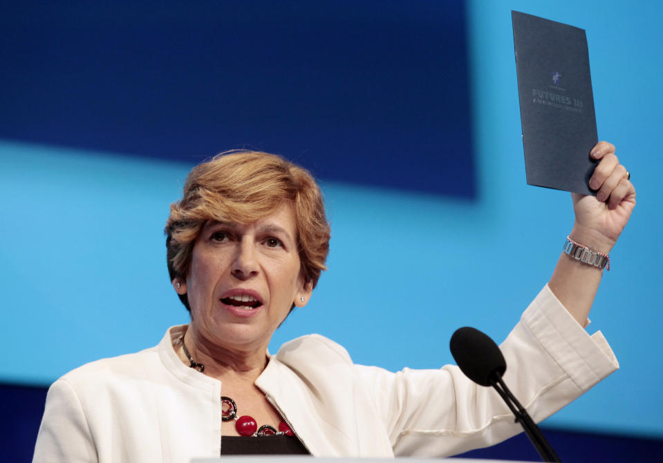 Randi Weingarten, president of the American Federation of Teachers (AFT), addresses the audience of public school teachers during the AFT convention in Detroit, Michigan, July 28, 2012.  REUTERS/Rebecca Cook/File Photo