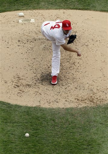 Chicago White Sox starter Gavin Floyd throws against the Boston Red Sox during the fifth inning of an baseball game in Chicago, Sunday, April 29, 2012. (AP Photo/Nam Y. Huh)