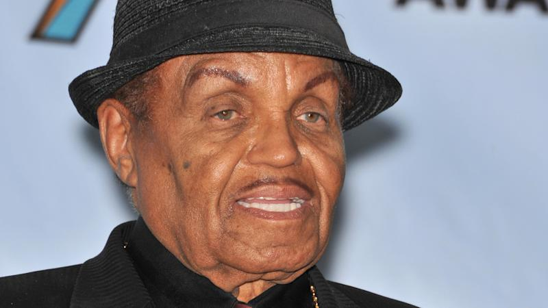 Joe Jackson: Verwirrendes Video an seinen Enkel Blanket