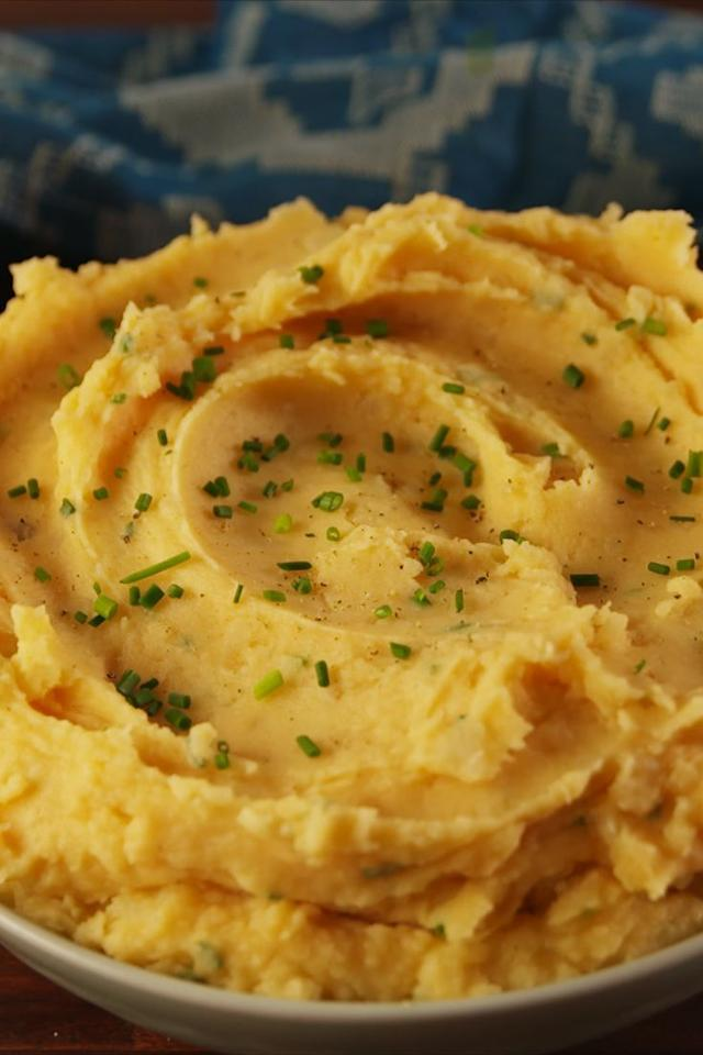 "<p>Swap out the shredded cheddar for beer cheese for this creative twist that'll have every guest talking.</p><p><strong>Get the recipe at <a rel=""nofollow"" href=""https://www.delish.com/cooking/recipe-ideas/recipes/a56711/beer-cheese-mashed-potatoes-recipe/"">Delish. </a></strong></p>"