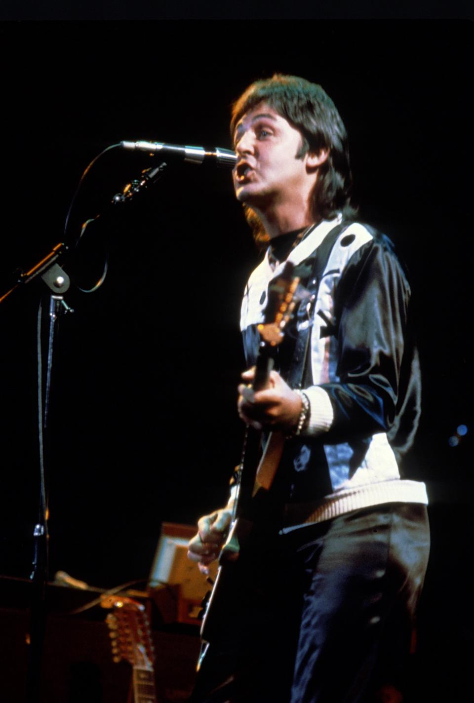 Paul McCartney circa 1981. (Photo by Richard Aaron/IMAGES/Getty Images)