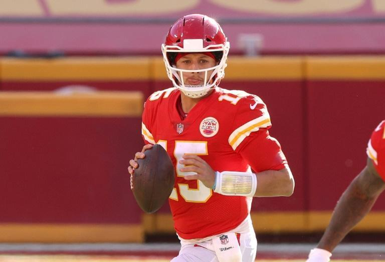 Patrick Mahomes threw two touchdown passes and rallied the reigning Super Bowl champion Kansas City Chiefs over Atlanta 17-14 to secure the team a first-round NFL playoff bye
