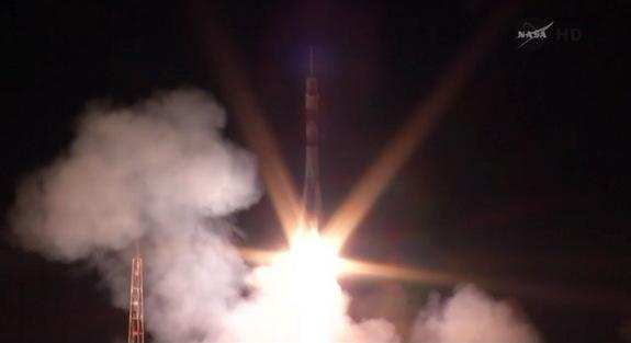 Soyuz Rocket Launches New US-Russian Crew Toward Space Station