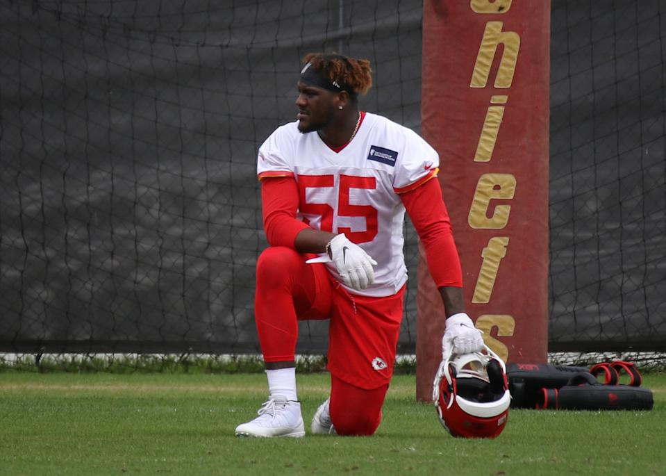 KANSAS CITY, MO - MAY 23: Kansas City Chiefs defensive end Frank Clark (55) during OTA's on May 23, 2019 at the Chiefs Training Facility in Kansas City, MO.  (Photo by Scott Winters/Icon Sportswire via Getty Images)