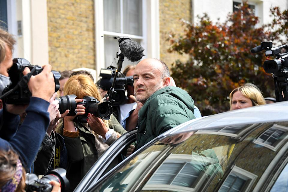 Dominic Cummings, pictured outside his home in north London on Sunday.  (Photo: ASSOCIATED PRESS)