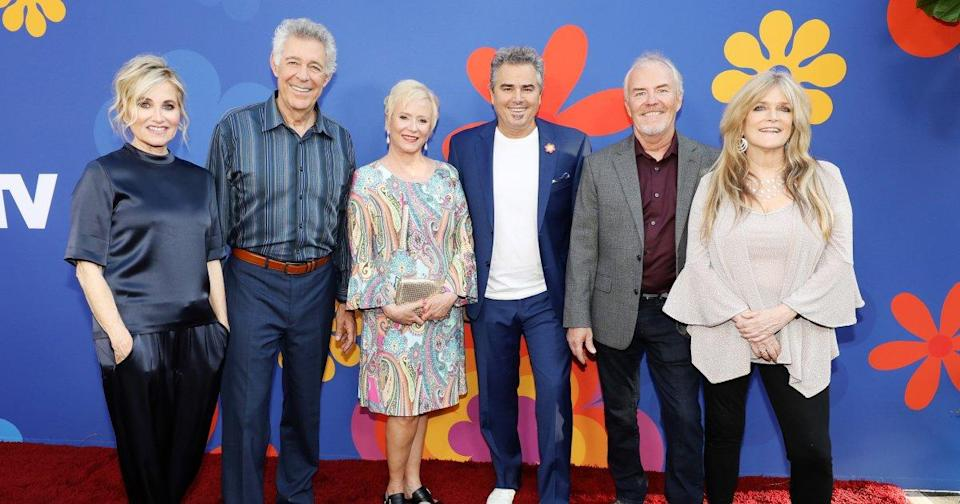 How 'The Brady Bunch' cast remembered Florence Henderson and Robert Reed in HGTV renovation series