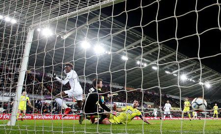 Soccer Football - FA Cup Fourth Round Replay - Swansea City vs Notts County - Liberty Stadium, Swansea, Britain - February 6, 2018 Swansea City's Tammy Abraham scores their first goal Action Images via Reuters/Matthew Childs