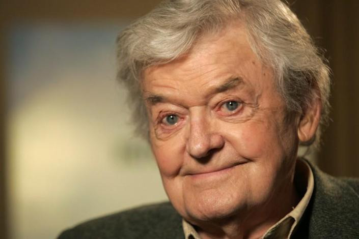FILE - In this Jan. 22, 2008, file photo actor Hal Holbrook poses for a photograph in New York. The Mark Twain Boyhood Home & Museum in Hannibal, Mo., announced Wednesday, May 16, 2012, that Holbrook is the first-ever recipient of the Mark Twain Lifetime Achievement Award, which recognizes someone whose life's work has furthered the legacy of Mark Twain. (AP Photo/Kathy Willens, File)