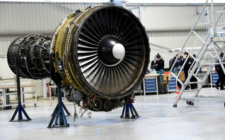 While courses for mechanics are still open, training for flight assistants has stopped