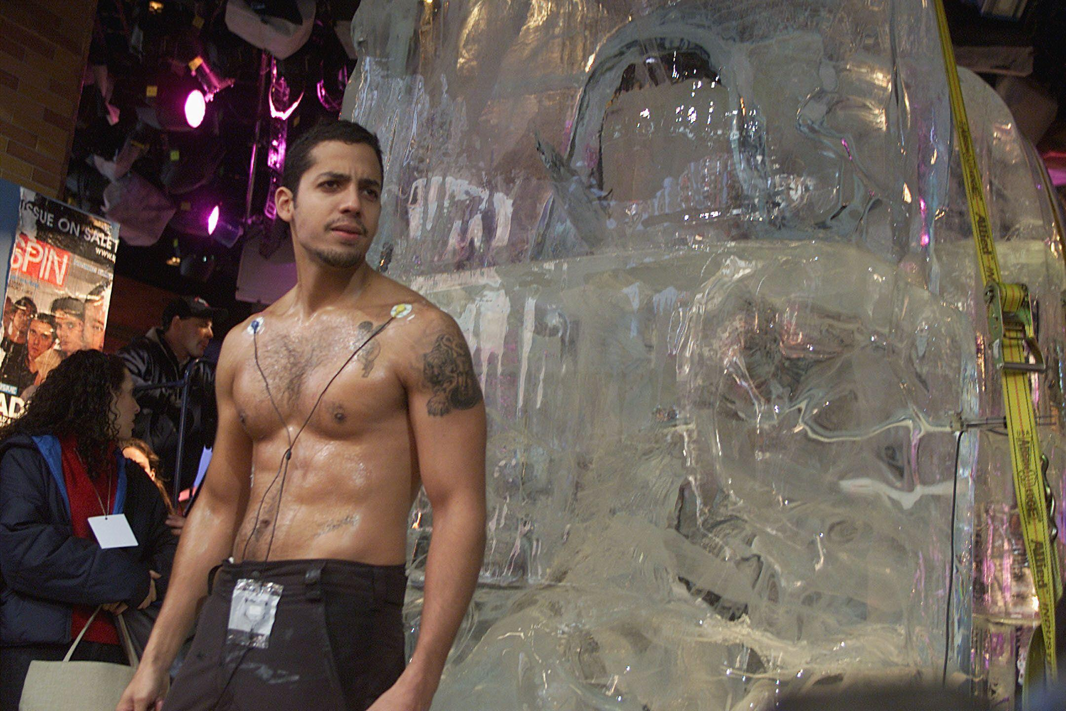 Magician David Blaine before getting frozen in a block of ice for 58 hours in Times Square in New York City. 11/27/00 Photo: Scott Gries/ImageDirect