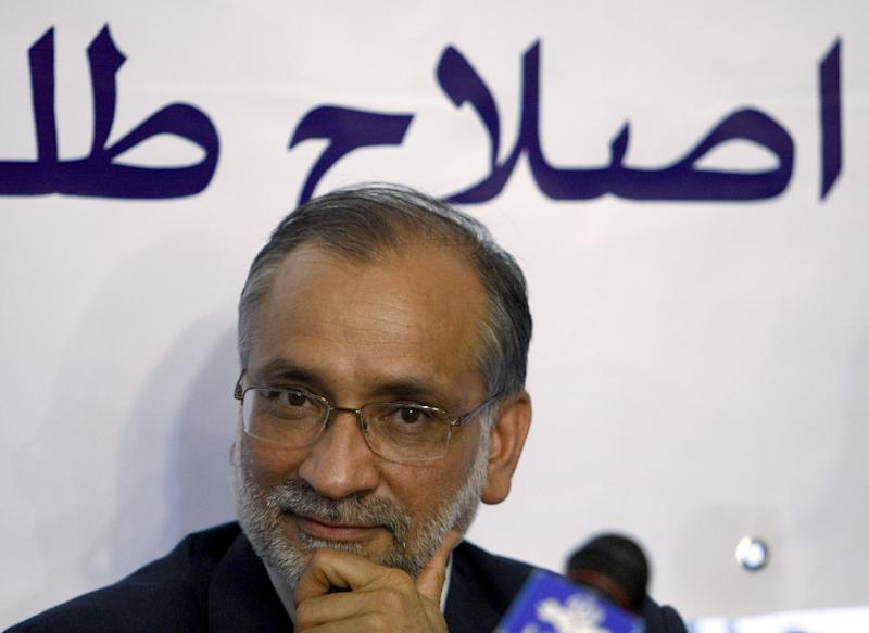 """Iranian reformist Hossein Marashi, pictured on March 3, 2008, was quoted by the Shargh daily as saying that """"out of over 3,000 reformist candidates across the country, only 30 have been approved -- only one percent"""" (AFP Photo/Behrouz Mehri)"""