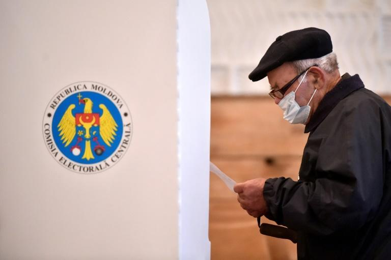Moldovans voted in the first round of the presidential election on Sunday