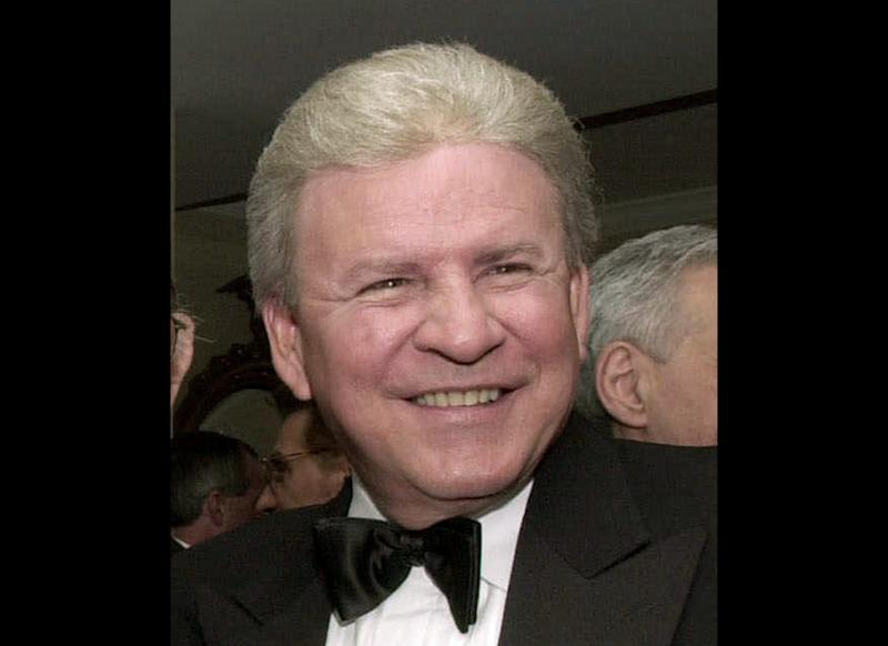 "FILE - In this Oct. 28, 2000 file photo, Bobby Rydell attends a dinner given by the National Italian American Federation at the Washington Hilton in Washington. Rydell has undergone a liver and kidney transplant in Philadelphia. The 70-year-old singer of hits including ""Wild One"" and ""Volare"" had surgery last week.   Doctors at Thomas Jefferson University Hospital say they were able to use part of the donor liver to help Rydell and the other part to help a child. Rydell says he now wants to help raise awareness about organ donation.  (AP Photo/Linda Spillers)"