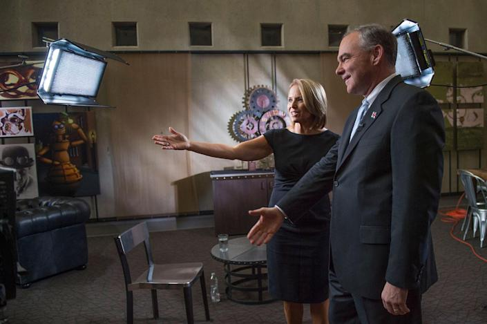 <p>Yahoo Global News Anchor Katie Couric introduces Democratic vice presidential nominee and U.S. Sen. Tim Kaine to the crew on Thur., Sept. 22, 2016, before an interview with him at the University of Nevada, Reno. (Renée C. Byer for Yahoo News) </p>