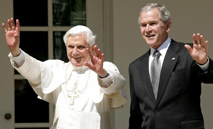 """Pope Benedict XVI became only the second pontiff to visit the White House in 2008 where thousands of joyful well-wishers sang him """"happy birthday"""" (AFP Photo/Saul Loeb)"""