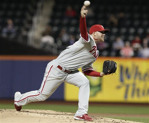 Philadelphia Phillies' Tyler Cloyd delivers a pitch during the first inning of a baseball game against the New York Mets on Thursday, Sept. 20, 2012, in New York. (AP Photo/Frank Franklin II)