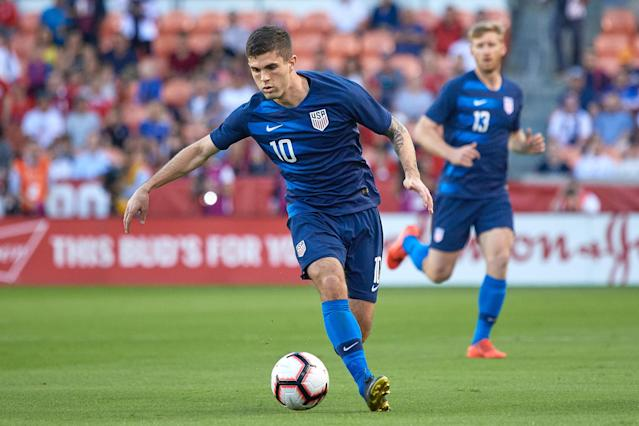 Where is Christian Pulisic best with the United States men's national team, as a winger or a central playmaker? (Getty)
