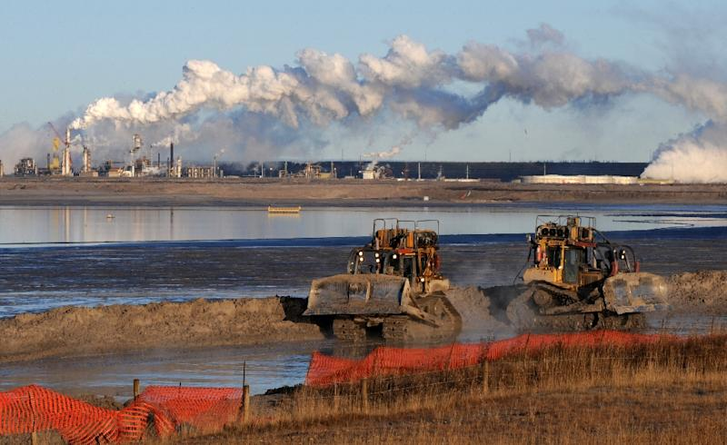 Emissions from Canada's oil sands will likely increase faster than new technologies can be developed to curb them, says a government document