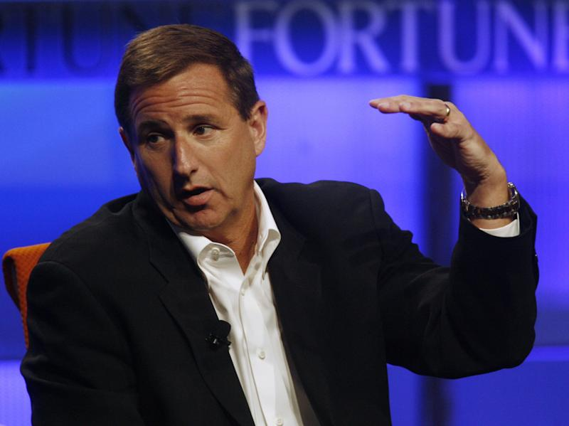 Mark Hurd peaks at the Fortune Brainstorm Tech conference in Pasadena, California July 24, 2009. REUTERS/Fred Prouse