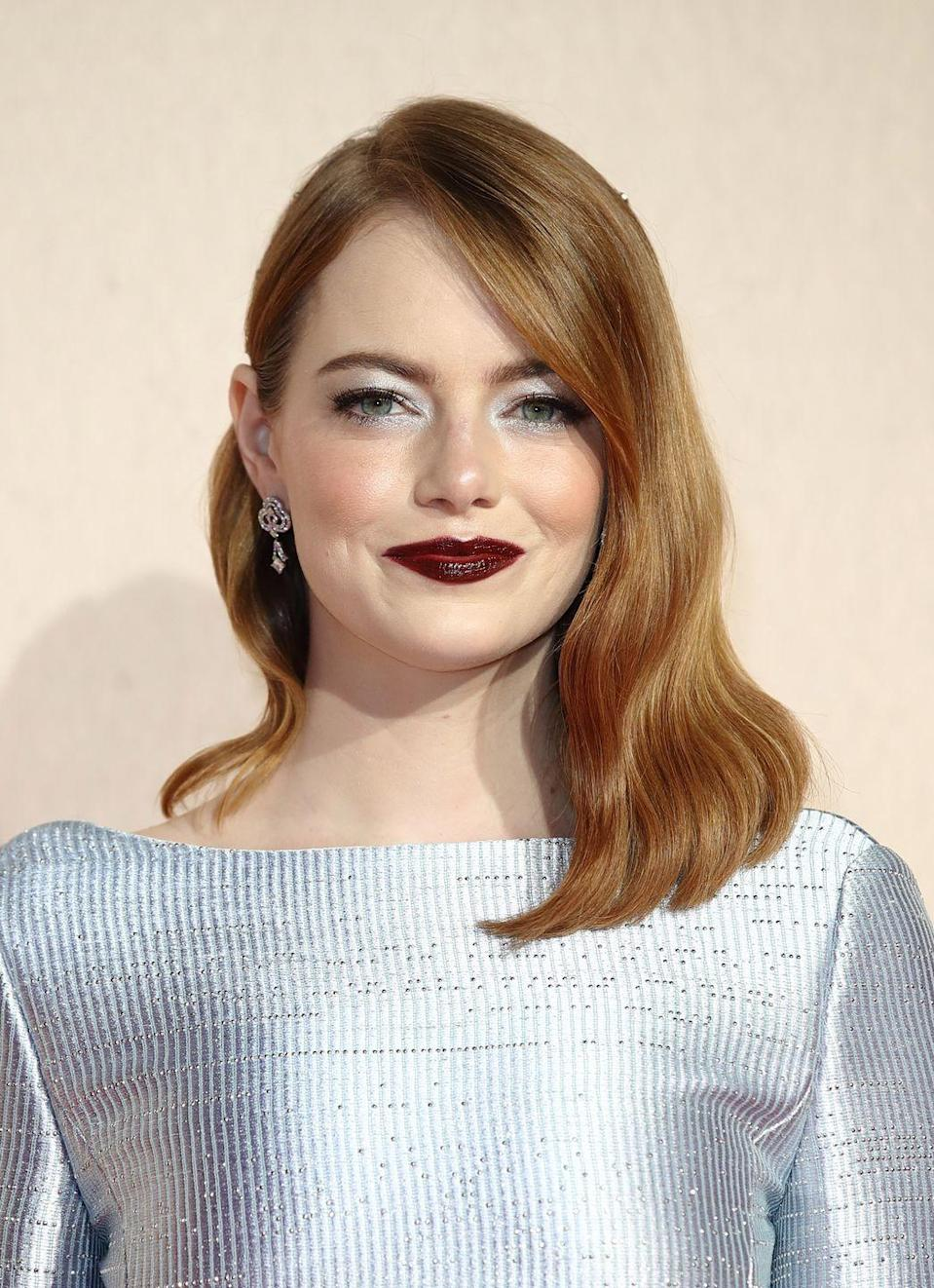 <p>Fake your way to a natural copper tone with sandy coloured roots like Emma Stone.</p>