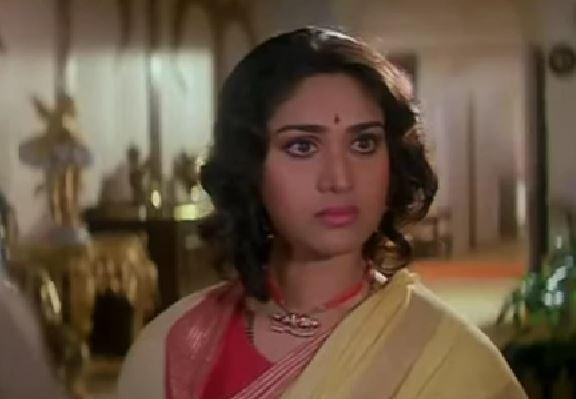 <em>Damini </em>was one of the biggest hits of its time. For the subject it covered and the treatment of it, over the years it has become a cult feminist masterpiece. One of the highest grossing of 1993, <em>Damini </em>is also remembered for Meenakshi Seshadri's unparalleled performance, which, without a doubt, was the best of her career.