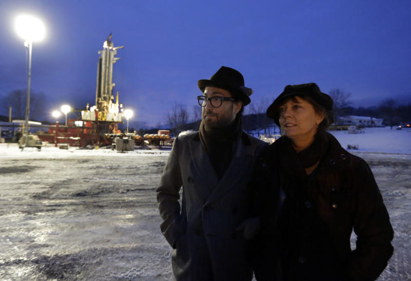 FILE - In this Jan. 17, 2013 file photo, Sean Lennon and actress Susan Sarandon visit to a fracking site in New Milford, Pa. Dozens of celebrities may be running afoul of the law as they unite under the banner of one group that is seeking to prevent a method of gas drilling in New York state. Artists Against Fracking opposes hydraulic fracturing, or fracking, and boasts members including Yoko Ono and actors Mark Ruffalo and Susan Sarandon. (AP Photo/Richard Drew, File)
