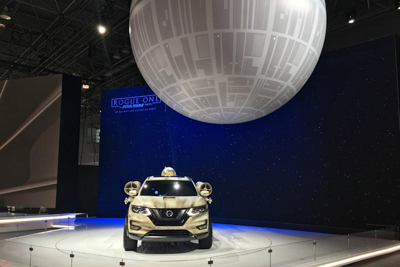 ny auto show unique exhibits roundup nissan rogue one star wars ( )