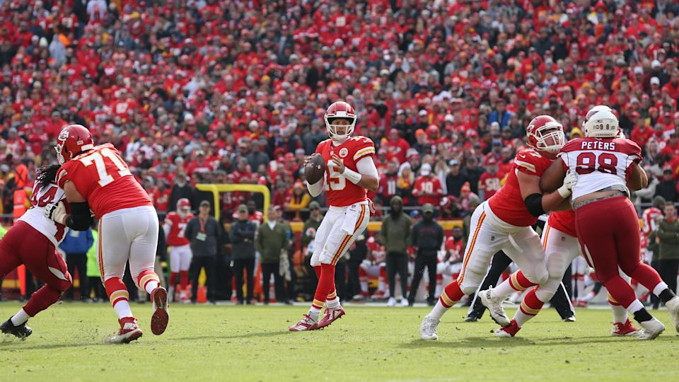Patrick Mahomes is the undisputed breakout star of the 2018 NFL season, similar to Kurt Warner in 1999. (Getty Images)