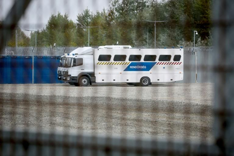 The European Commission has warned that the detention conditions in Hungarian transit zones violate the bloc's rights legislation