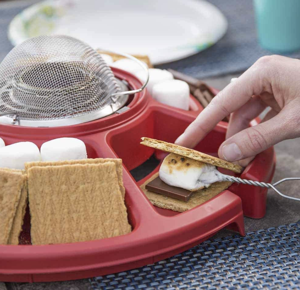 Perfectly toasted marshmallows ahead, (Photo: Amazon)