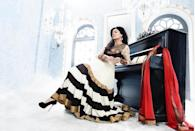 Sushmita quit acting right after adopting her younger daughter Alisa in 2010. It has been 10 years since she has been away from the silver screen, but she manages to stay in headlines for reasons aplenty. Be it her crazy mind-boggling work out sessions at the gym or her rocking romance with the handsome model Rohman Shawl, this diva always finds a way to stay in news.