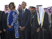 <p>In 2015, then-FLOTUS Michelle Obama stood with Saudi King Salman in Riyadh, Saudi Arabia, without a headscarf. (Photo: AP Images) </p>