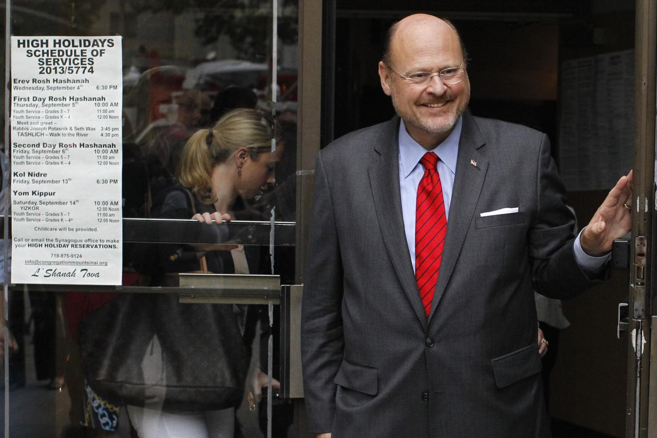 New York City Republican mayoral candidate Joe Lhota exits the polling center after voting in the Republican primary election in the Brooklyn borough of New York September 10, 2013. REUTERS/Brendan McDermid (UNITED STATES - Tags: POLITICS ELECTIONS)