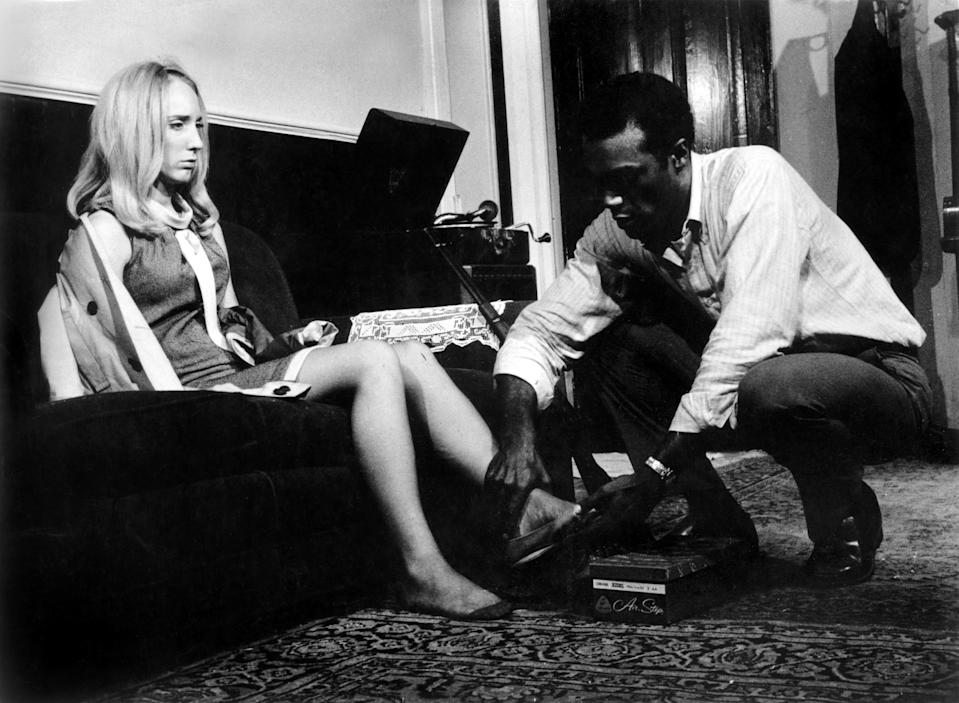 Judith O'Dea and Duane Jones in <em>Night of the Living Dead</em>. (Photo: Everett Collection)